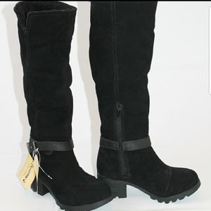 BearPaw Stephanie Boot Black Suede Size 6